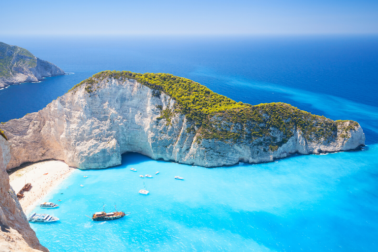 6 Best Greek islands to go on Holiday!